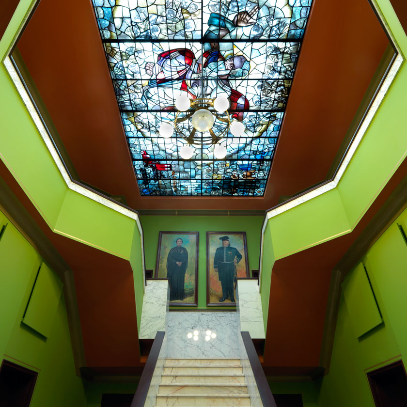 Rescue and restauration Villa Jongerius monumental entrance hall <span class='overlay-readmore'>Read more</span>